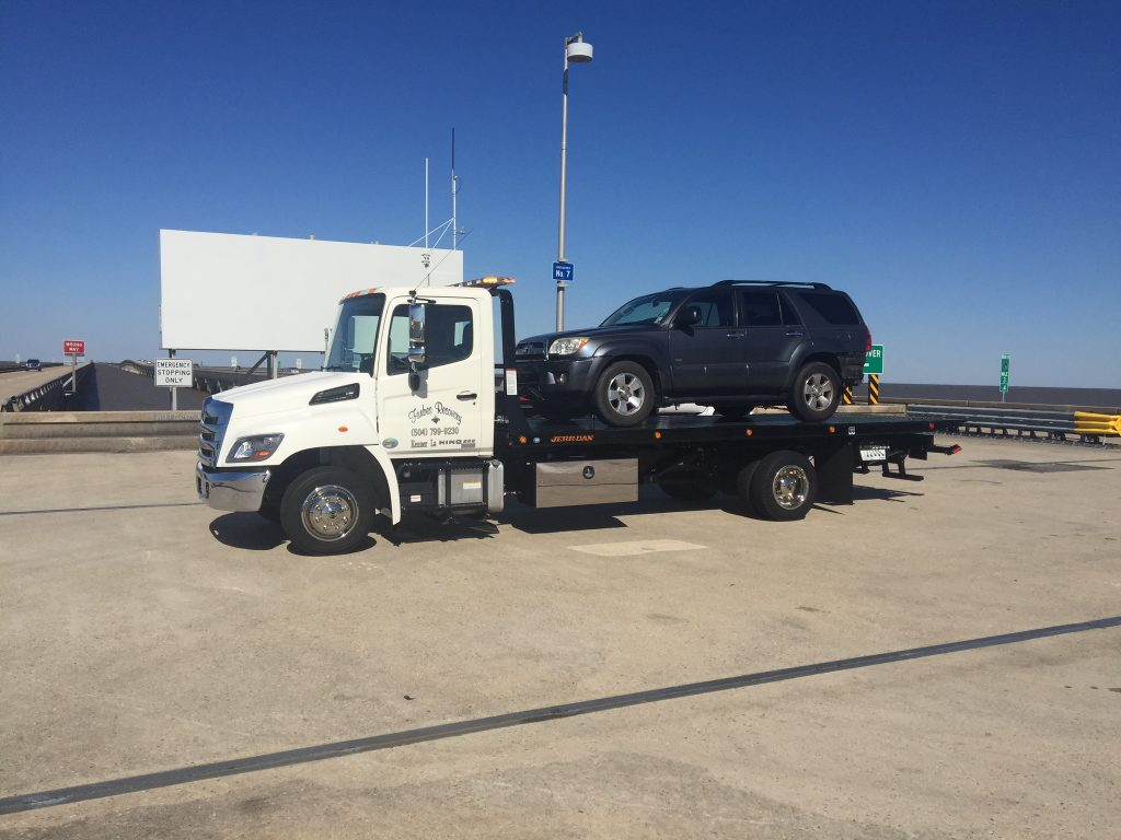 Madisonville Towing Service Wrecker Service Madisonville Louisiana - On Causeway